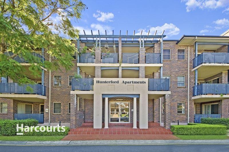 Open Plan Luxury Living in the Prestigious Hunterford Estate