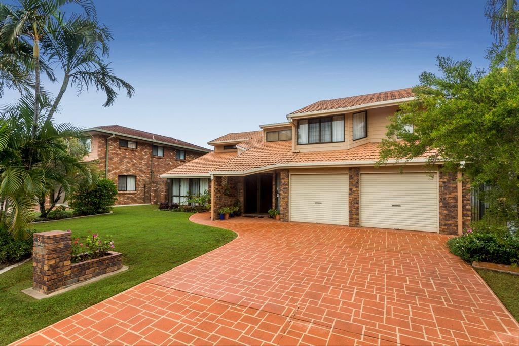 Aspley - Large Family Home - Side Access 714m2