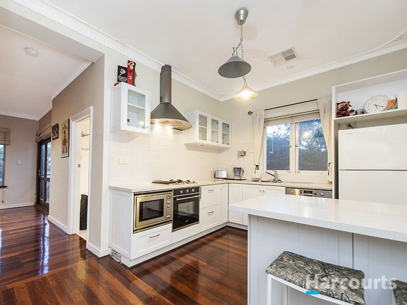 Charming Character home on 1017sqm block