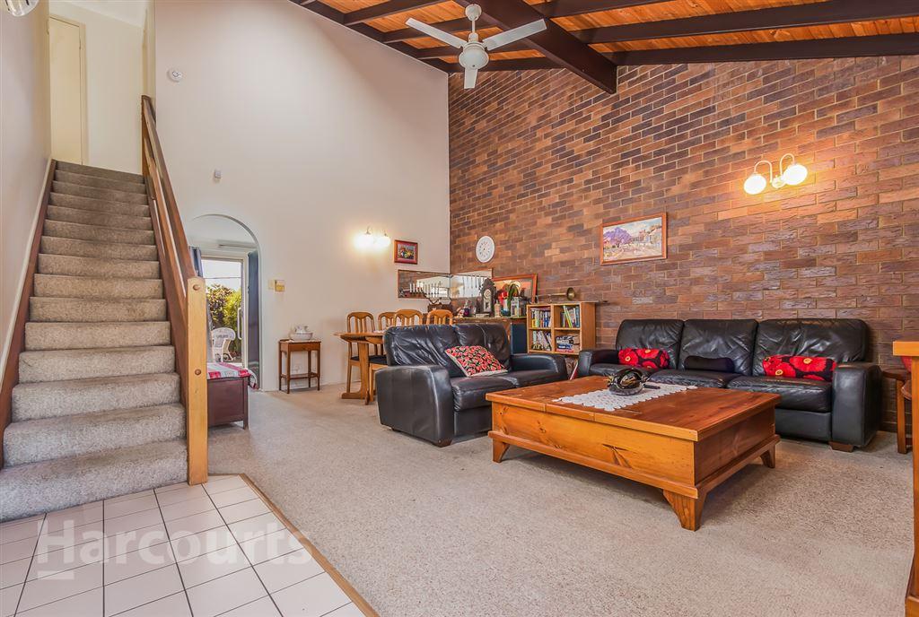 Spacious Townhouse in the Heart of Arana Hills