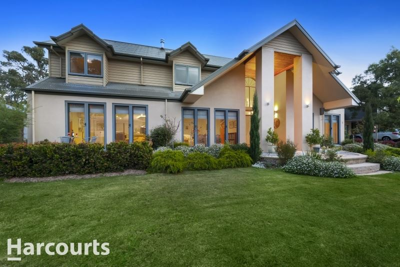 Luxury Living at Golf Course Resort