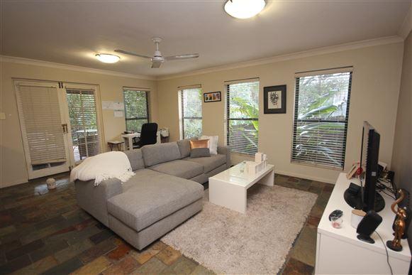 Large Family House - Split living