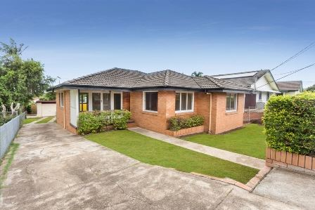 Wavell Hts - Super Location Walk To Shops and City Bus