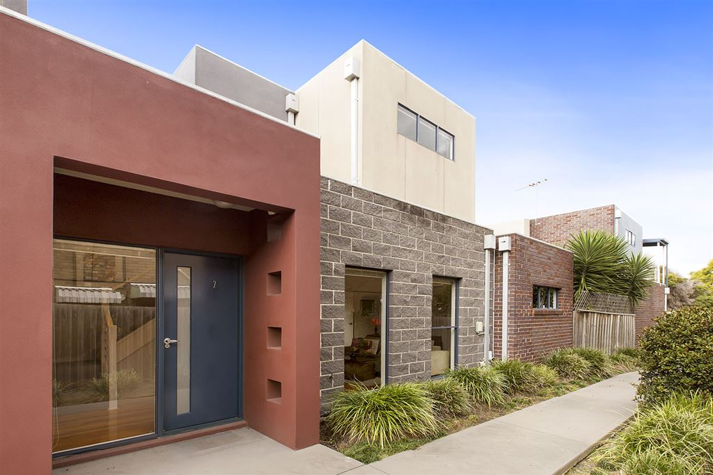 A Townhouse With Style That Will Suit Your Lifestyle...
