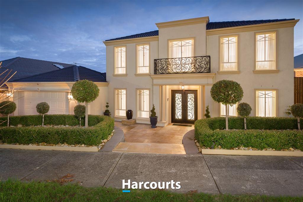 Grand Luxury Living in Bellbird