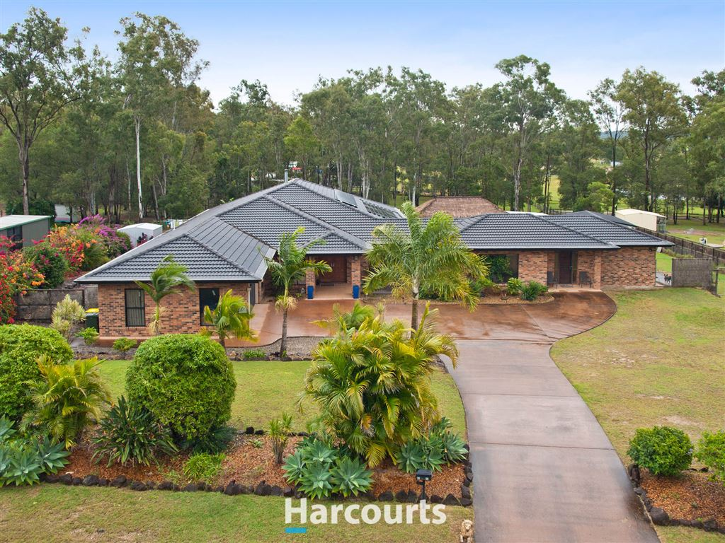 Live The Life Of Luxury on 2.28 Acres
