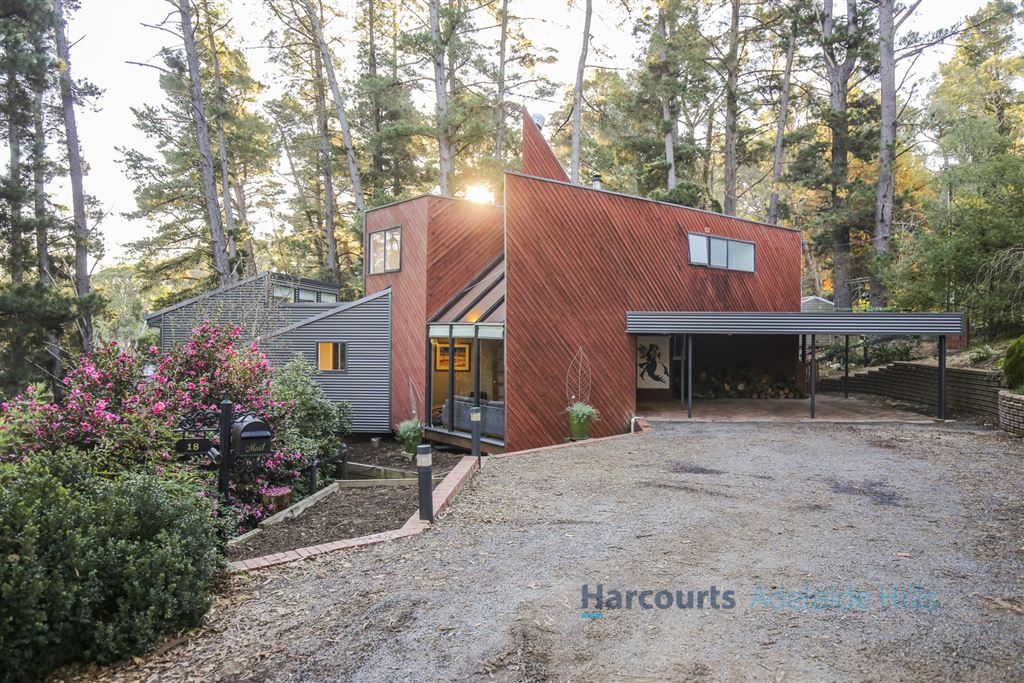 Award-winning architecture, hard-wired to hills living