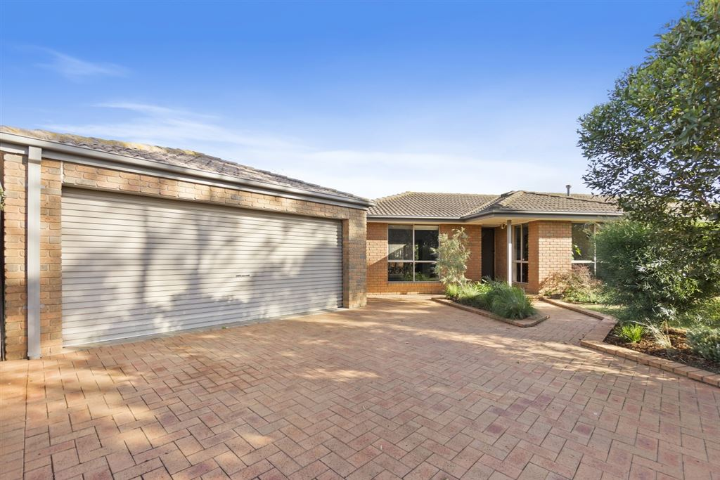 Spectacular Entertainer in Simpson - 1000m2 approx