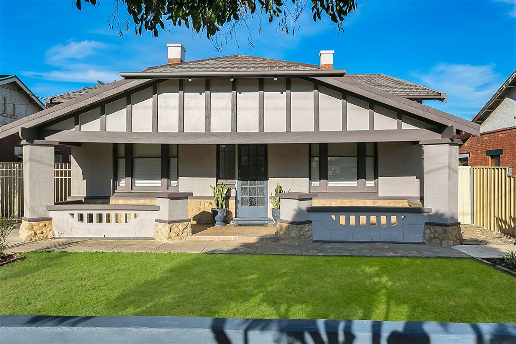Renovated Character Bungalow