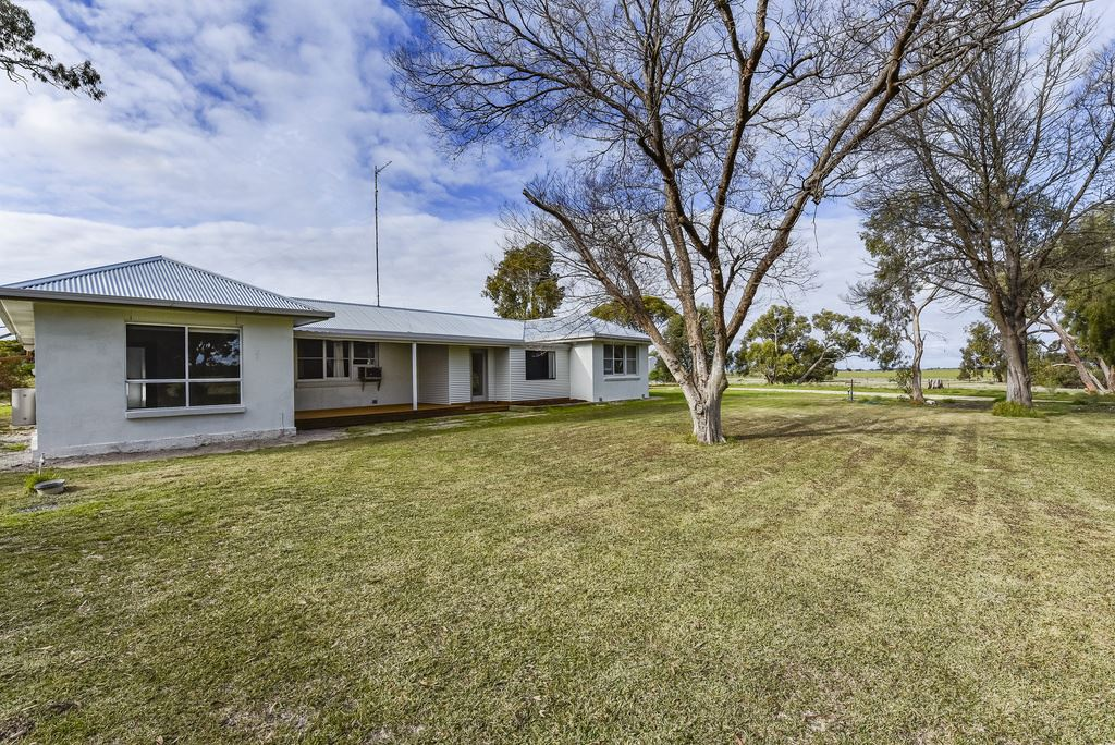 67 acres -  Renovated Home - Paradise