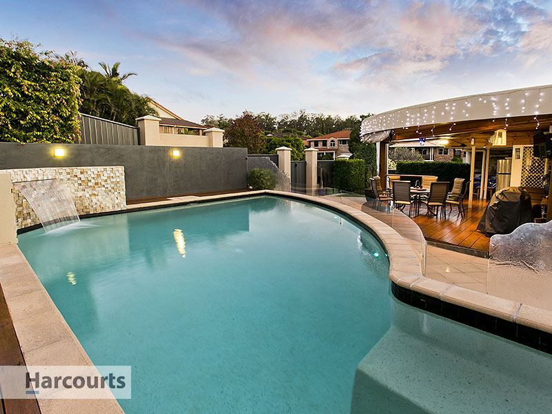 Fully renovated family living with pool