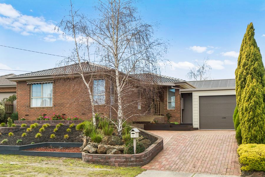 A Perfect Home Located in a Quiet Court!