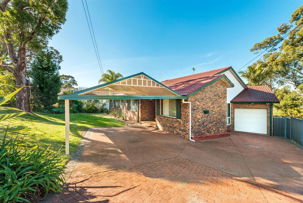 Spacious Home on Large Land - Matthew Pearce Catchment