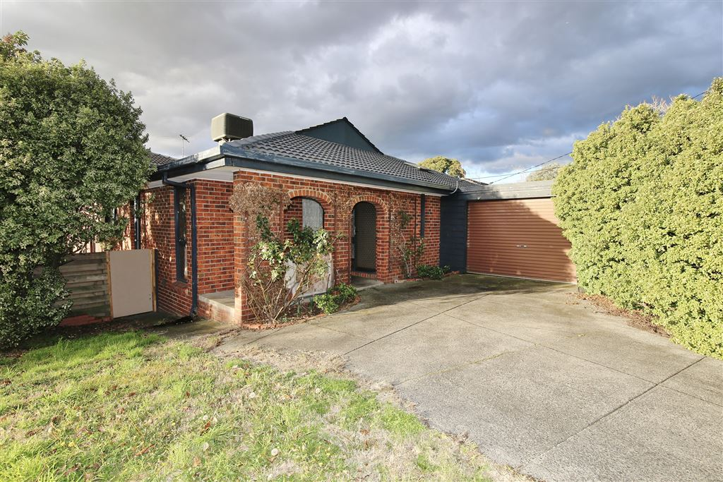 Big Family Home in Rosewood Downs!