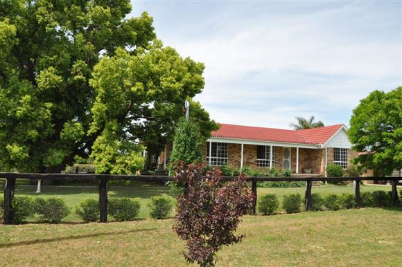 Rural living in the heart of Scone