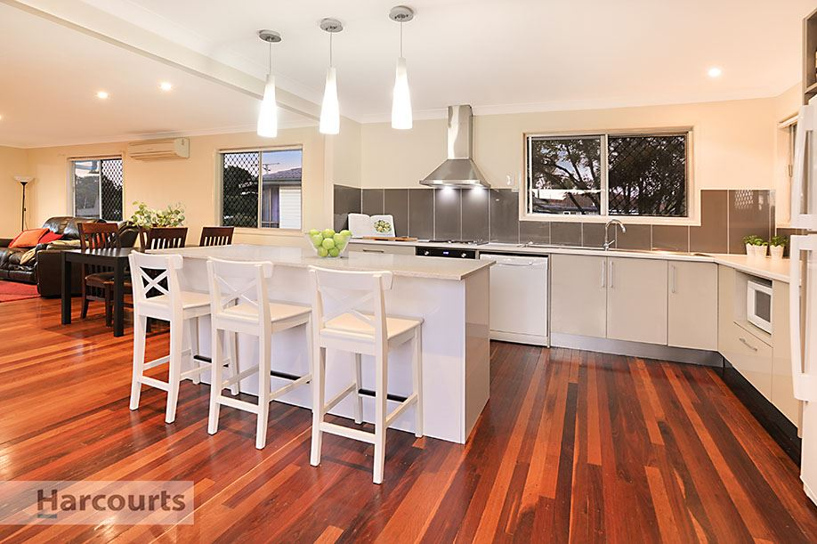 Highset Entertainer with Room for the Caravan, Boat or Trail