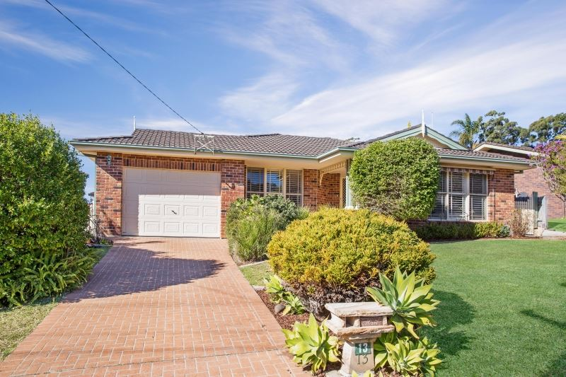 Dive into a Mollymook Address