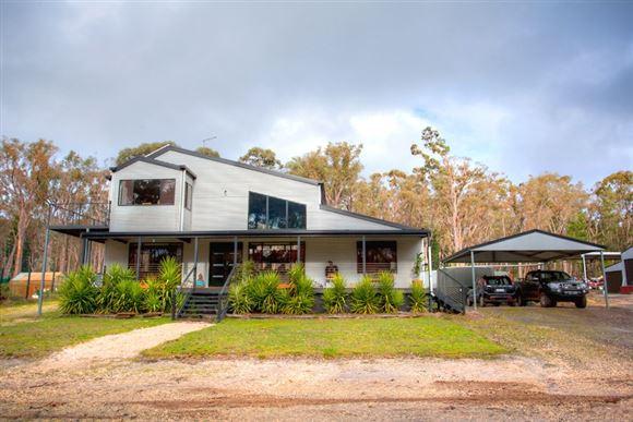 Self Sufficient Architectural Bush Retreat