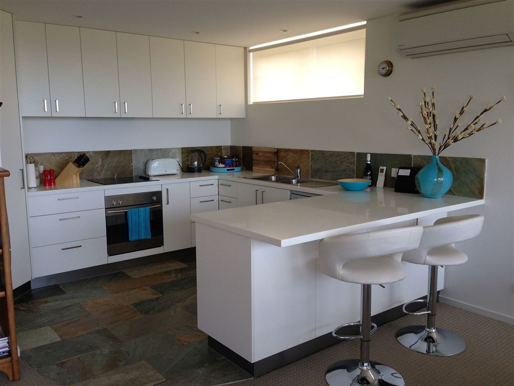 Modern living - 6 month lease only