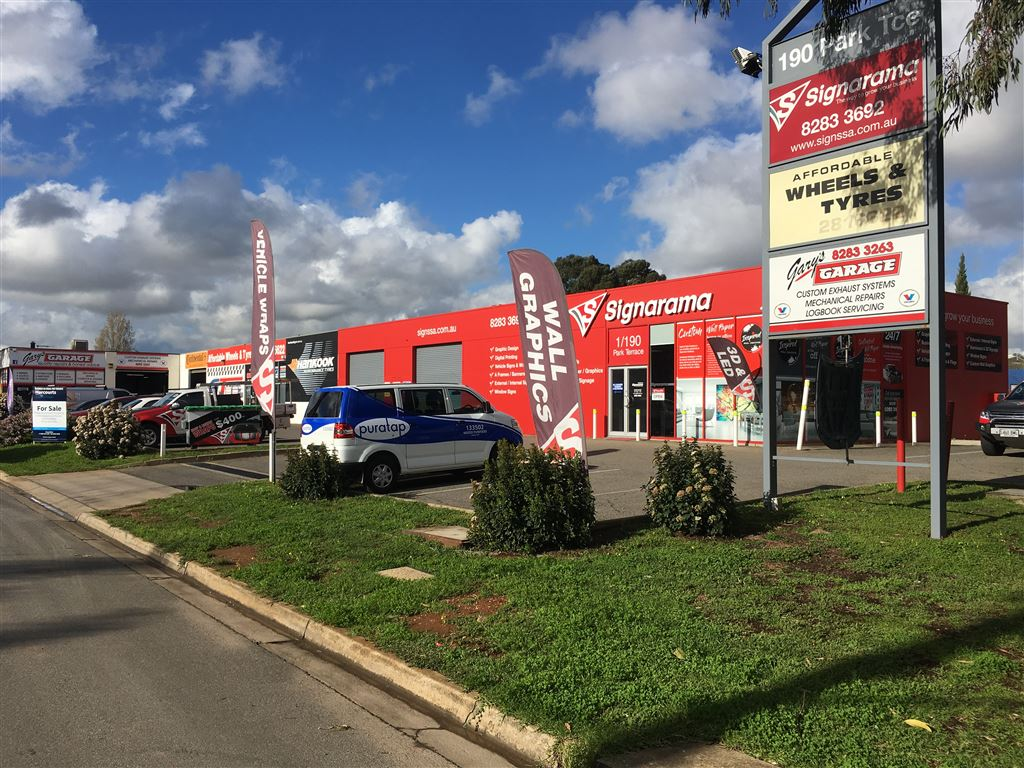 3 Fully Leased Warehouse - Retail Outlets!