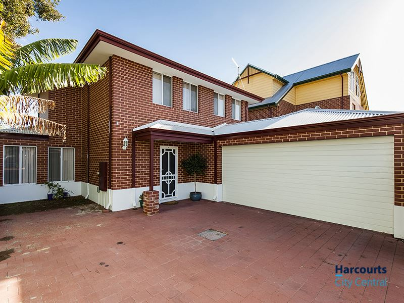 Only 100 meters to Beaufort Street & No strata levies!