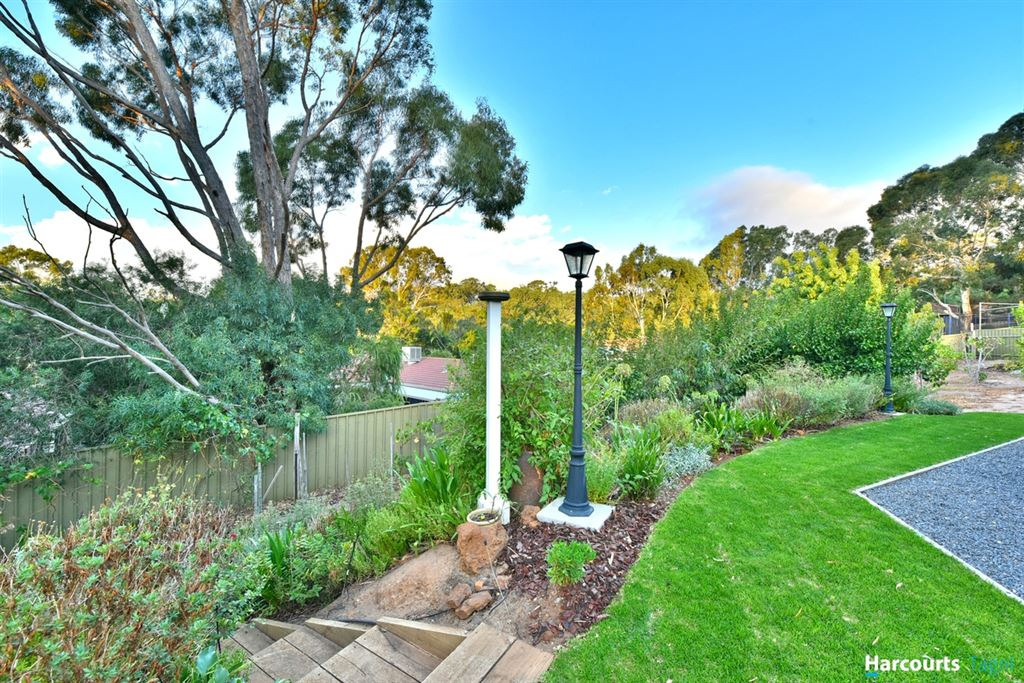 Over 230sqm of Living in Beautiful Craigburn Heights