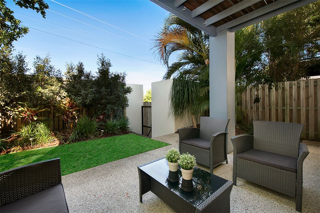Large Private Townhouse with Private Court Yard