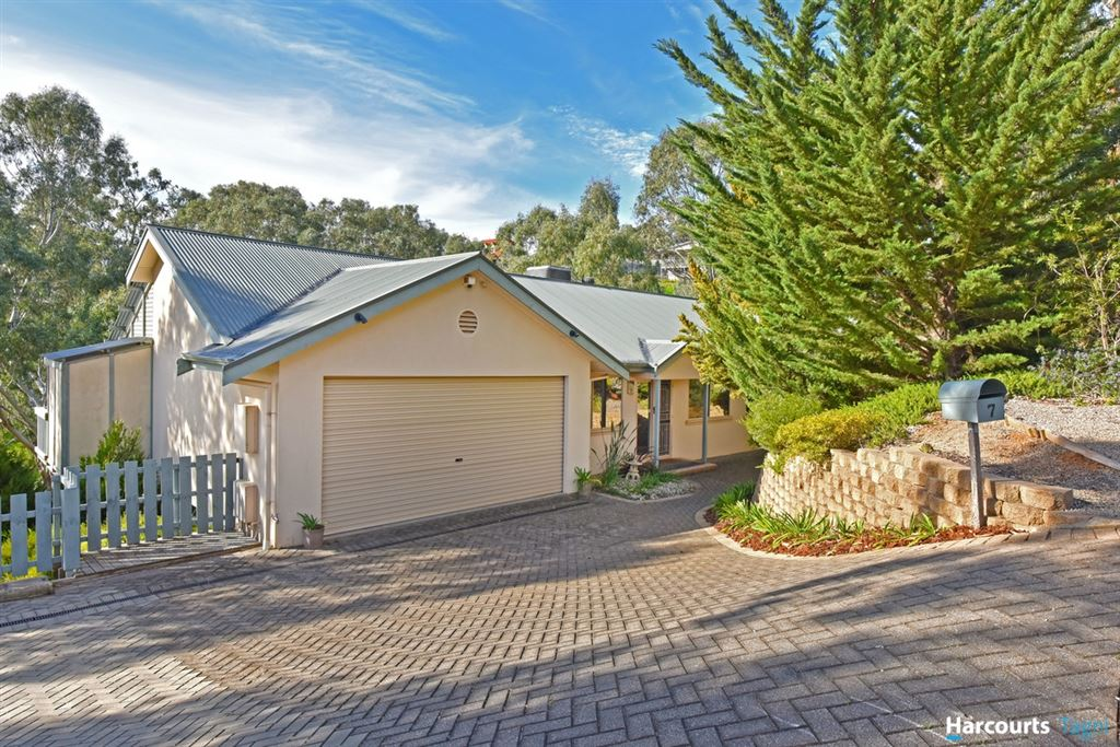Rural Living, City Convenience on a 3641m2 Block!