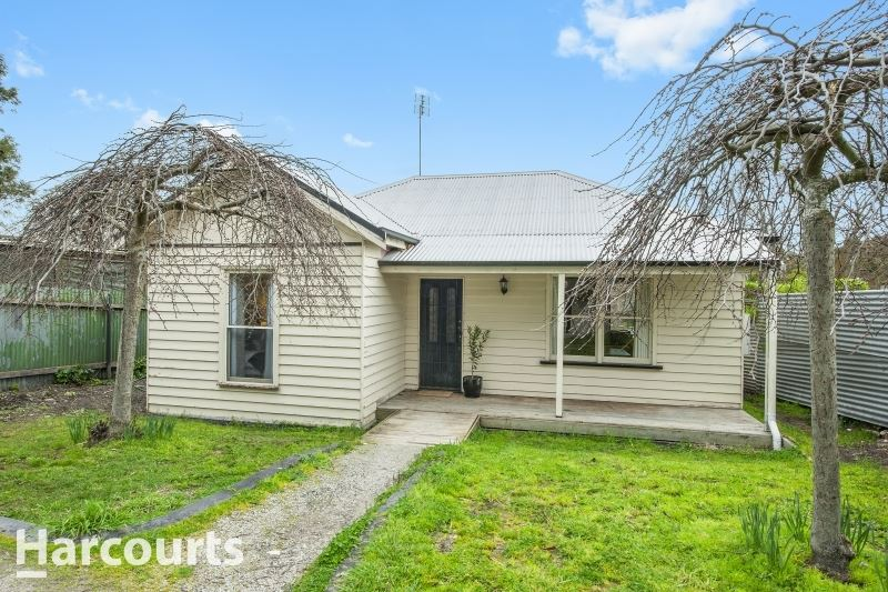Fantastic 4 Bedroom in Ballarat East