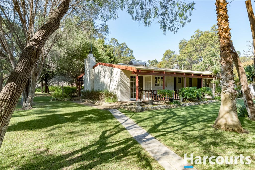 Tranquil Retreat On 5 Acres With Granny Flat/Studio!