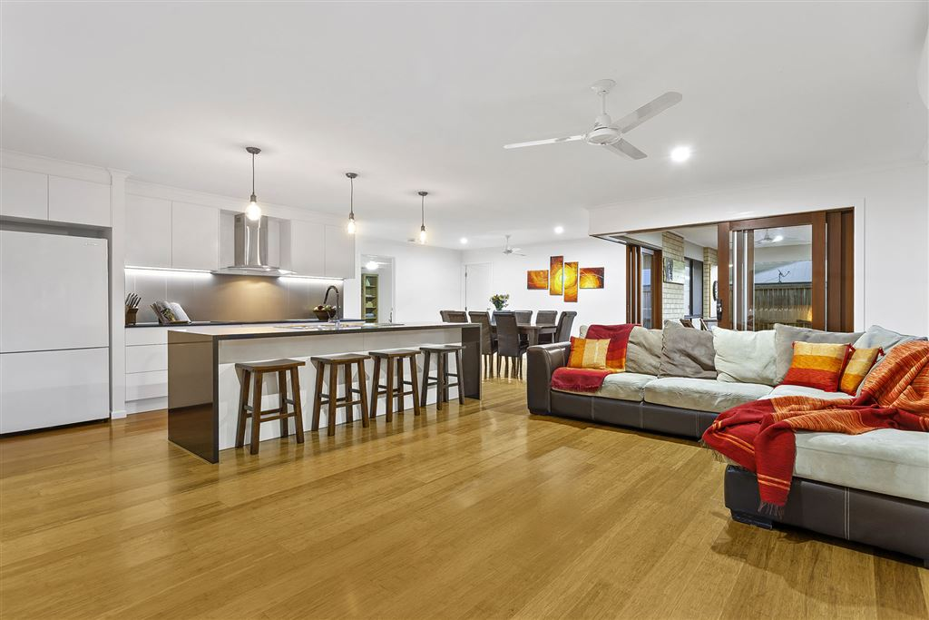 Immaculate Modern Masterpiece Ready For Entertaining