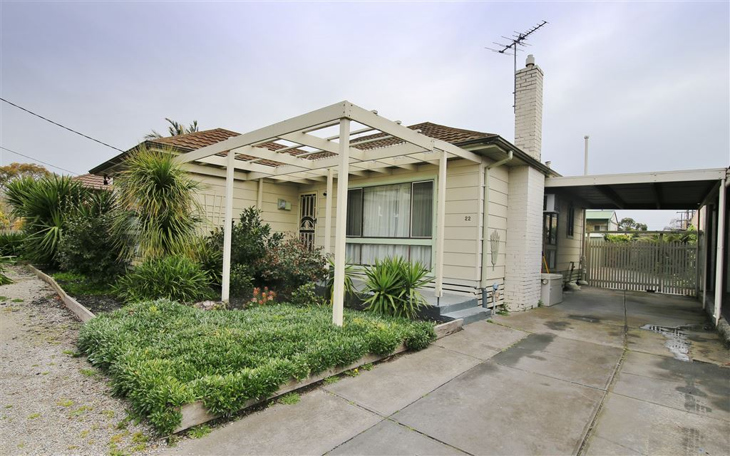 Spacious four bedrooms plus study in Noble Park Centre.