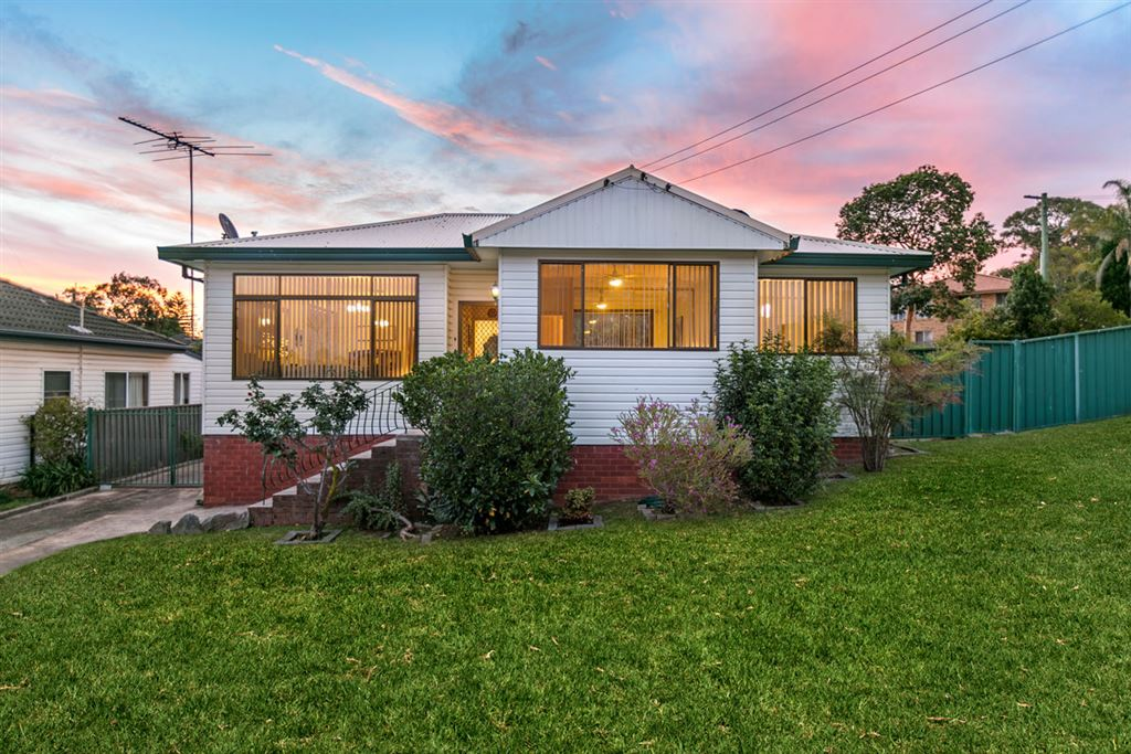 Cottage Style Living On A Massive 712sqm Block!