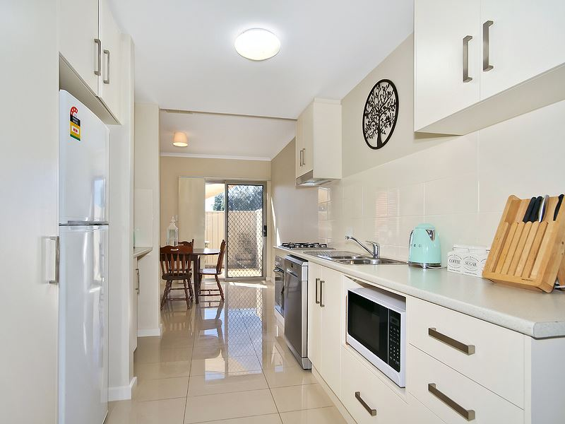 Best Value Townhouse in Morphett Vale!