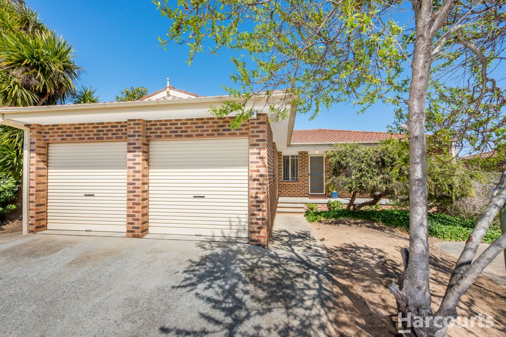 Large & Inviting North-Facing Three Bedroom Townhouse