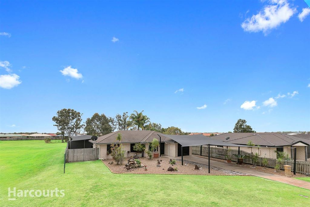 Large Shed & HUGE Entertaining Area With Spa!