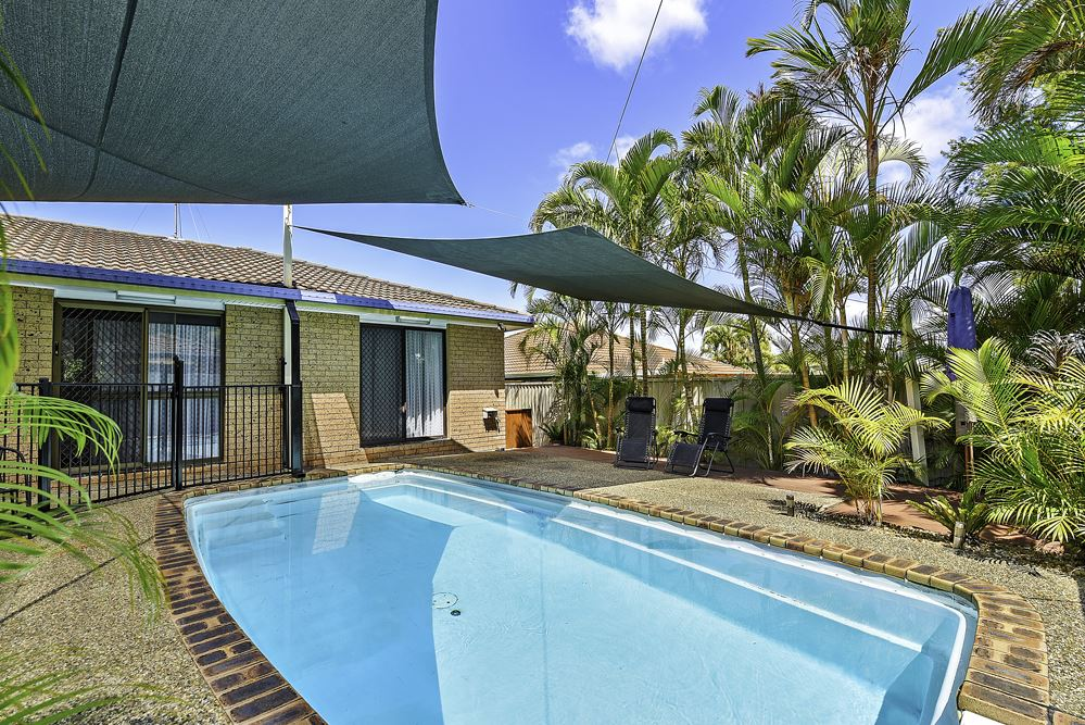 Duplex with your own private pool!