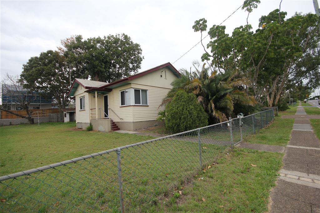 Close and Convenient Family Home