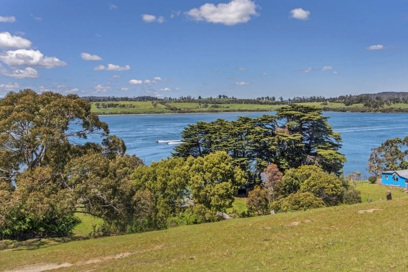 Approx. 6.5 Acres with Sensational Views
