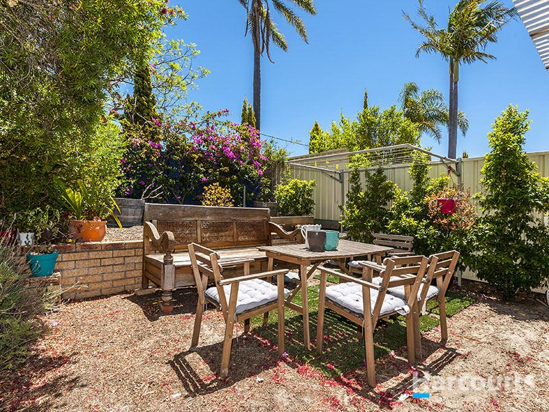 Summer Loving In Your Large Private Oasis