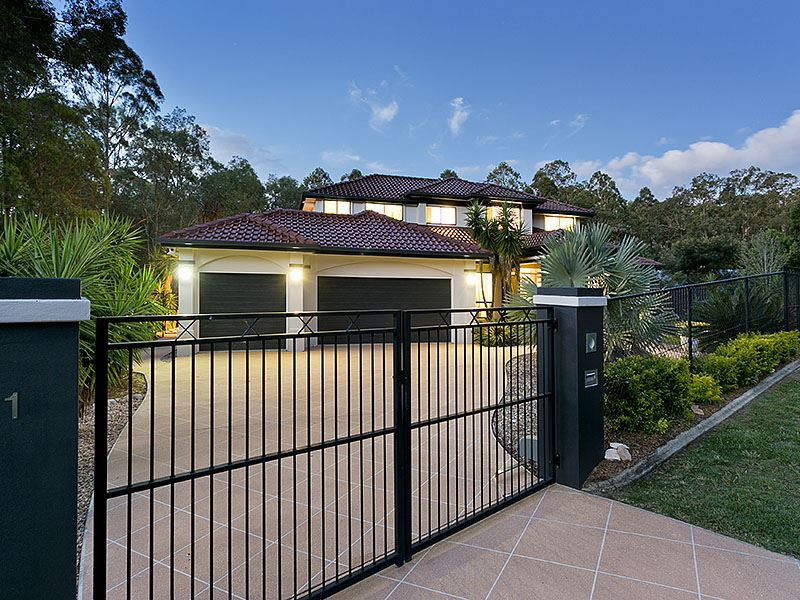 Modern highset home on 6000 sqm with bushland backdrop