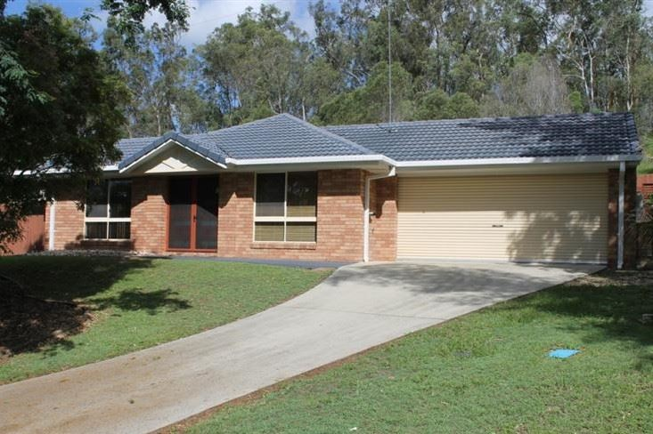 Large Lowset On A Family Friendly 847m2 Block