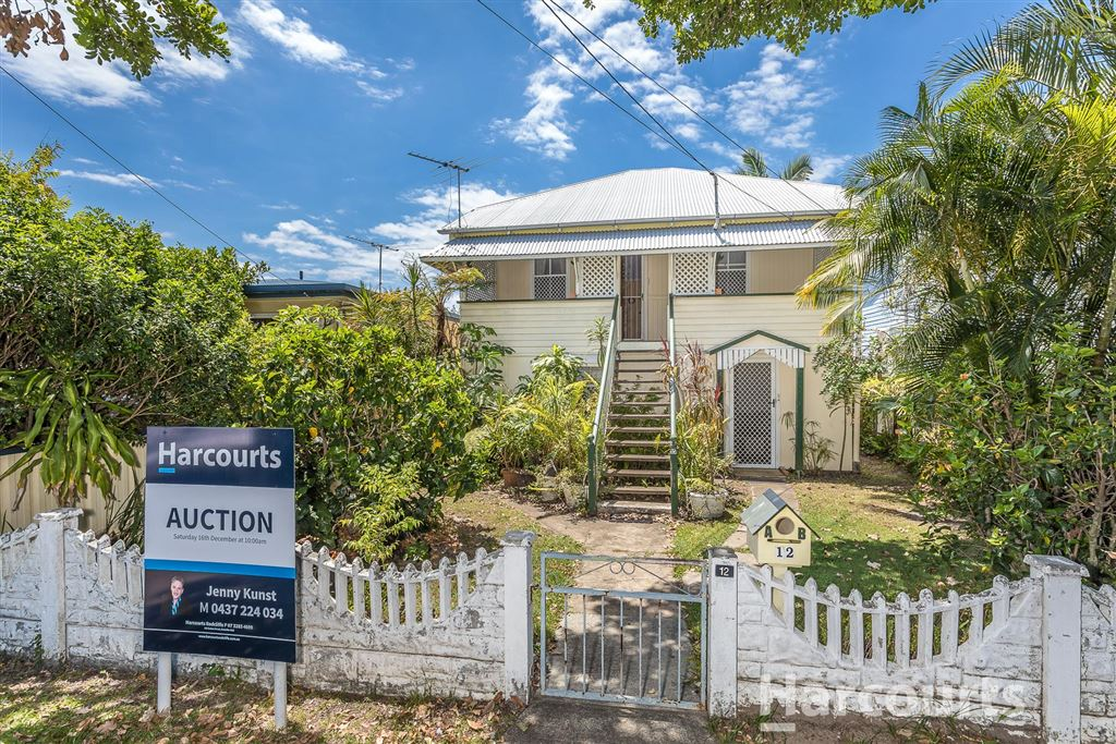 A Rare Find - 2 Flats - East of Oxley