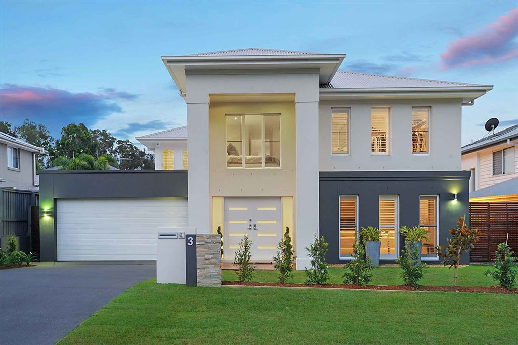 Sophistication & Luxurious With Spectacular Living