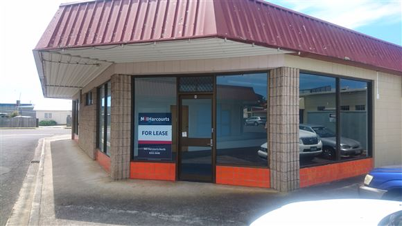 Last space for Lease in Shopping Complex