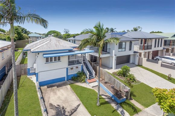 Kedron - Entry Level Opportunity with Renovation Potential!