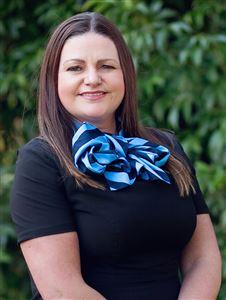 Karen Kennett