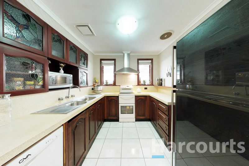 Kitchen - 51 Mawson Ave., Deer Park 3023