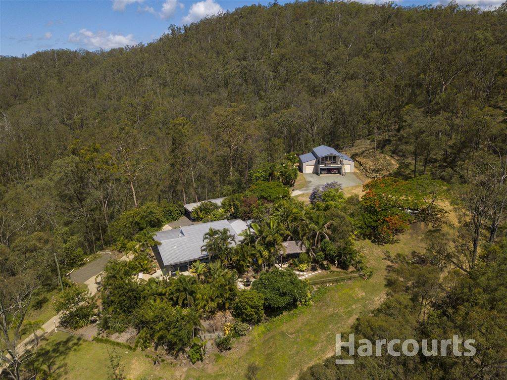 Private Tropical Oasis on 10 Acres and with Amazing Views!