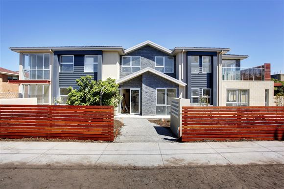 700m to Clayton Station, No Stamp Duty for First Home Buyer!